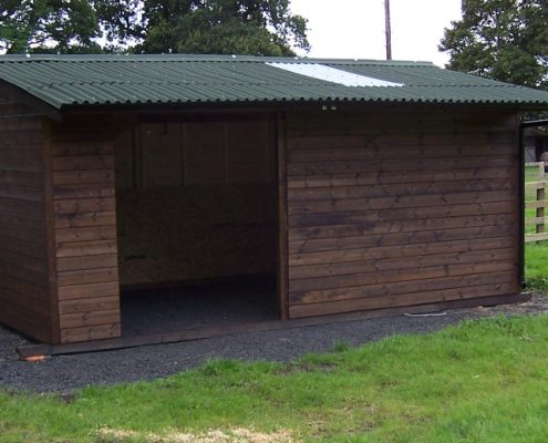 field shelter stable